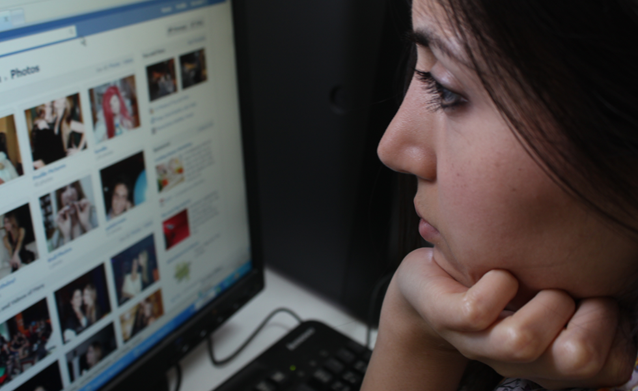 The Dangers of Facebook for the Chronically Ill: Comparing